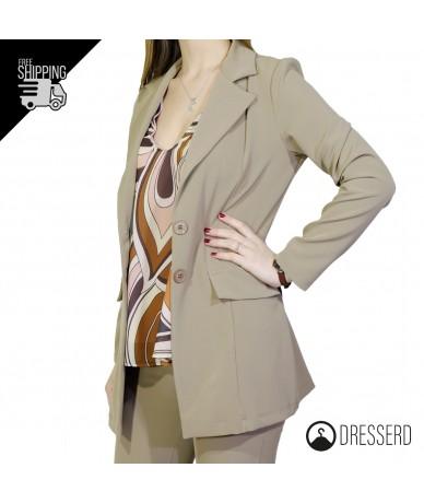 Tajer donna con giacca...