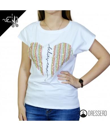 T-shirt con cuore e...