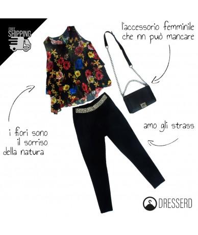 Outfit floreale con borsa